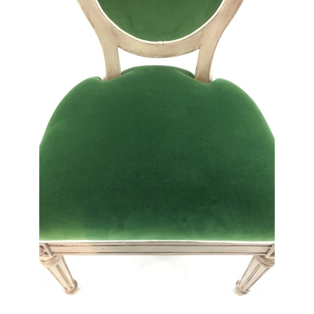 French Mark Sikes for Henredon French Style Carlyle Green Velvet Chair For Sale - Image 3 of 6