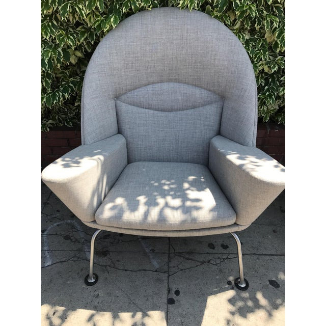 Hans J. Wegner Oculus Chairs & Ottoman - Set of 3 - Image 4 of 6