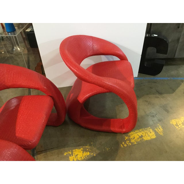 A great shape and easy to enjoy. These are in a stencil crock, high grade vinel. Strong color...a really good red...