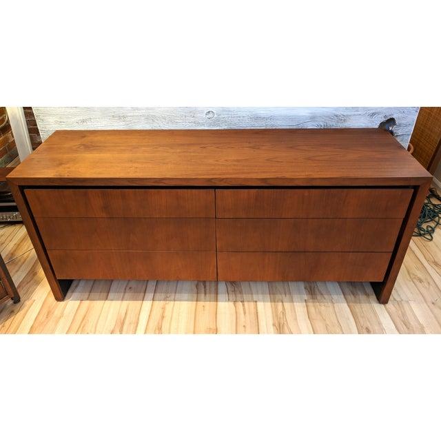 Mid-Century Modern Dillingham for Merton Gershun Walnut Dresser For Sale - Image 11 of 11