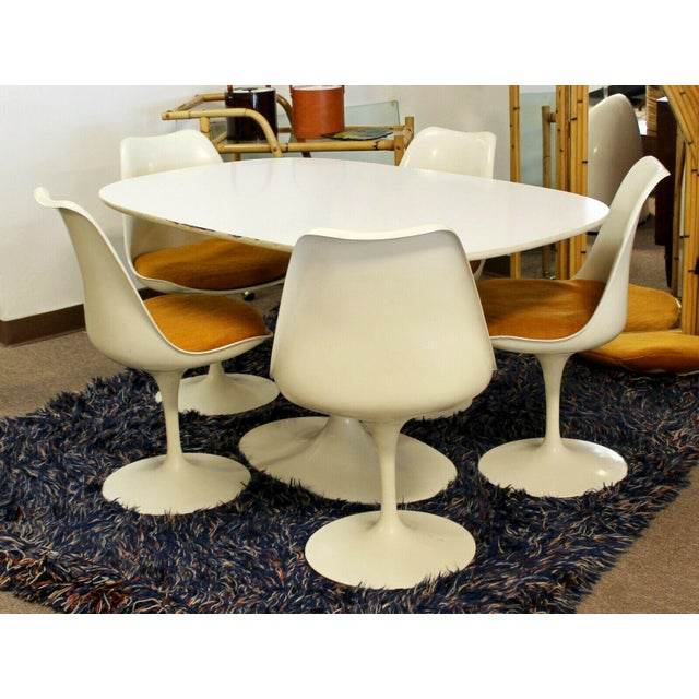 1960s Mid Century Modern Eero Saarinen for Knoll Set 5 Tulip Side Dining Chairs 1960s For Sale - Image 5 of 10