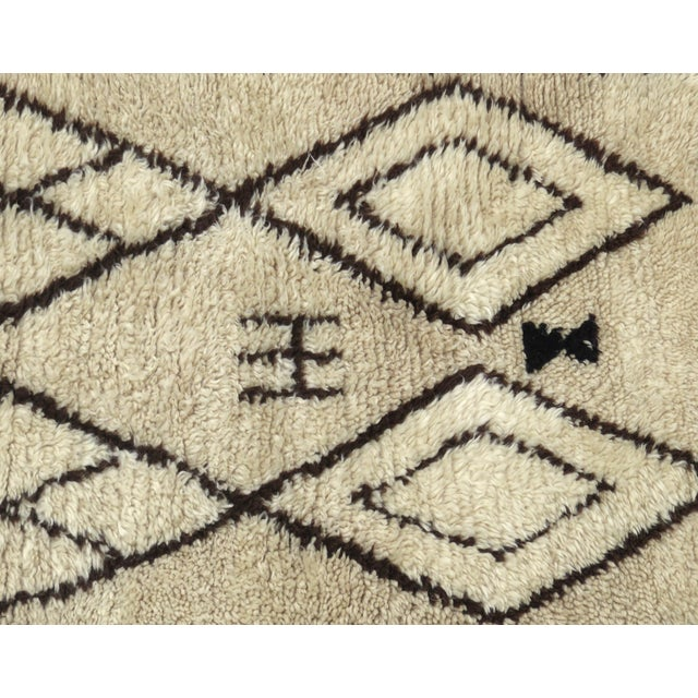Vintage Moroccan Azilal Runner - 2′5″ × 6′2″ For Sale In Los Angeles - Image 6 of 7
