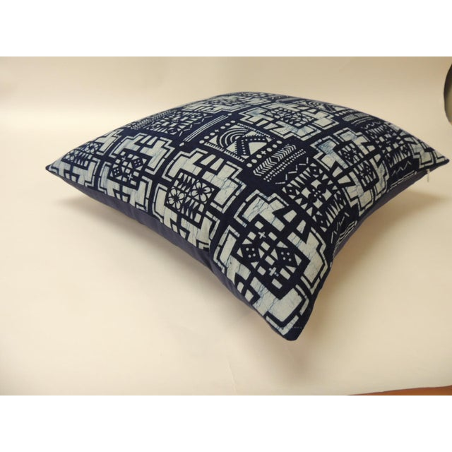 """Boho Chic Pair of Cotton Blue and White """"Kumasi"""" Decorative Pillows For Sale - Image 3 of 6"""