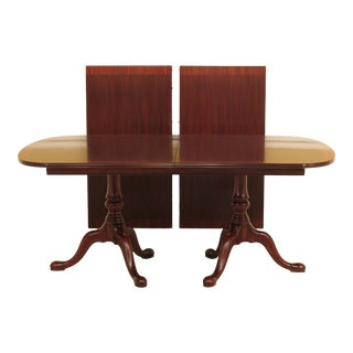 Queen Anne Henkel Harris Banded Mahogany Dining Room Table For Sale
