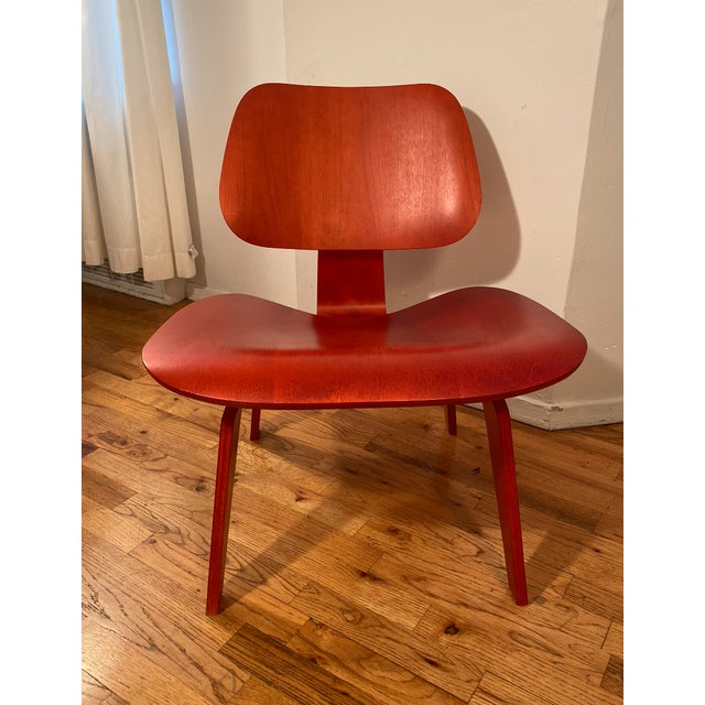 Eames Molded Plywood Lounge Chair For Sale In New York - Image 6 of 6