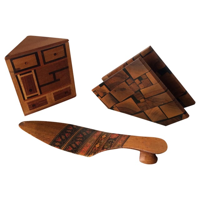 Small Marquetry Wooden Collection with inlay For Sale