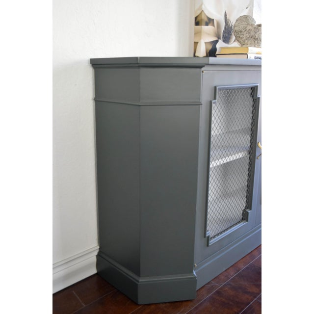 Traditional 19th Century Traditional Gray and White Console Table For Sale - Image 3 of 9