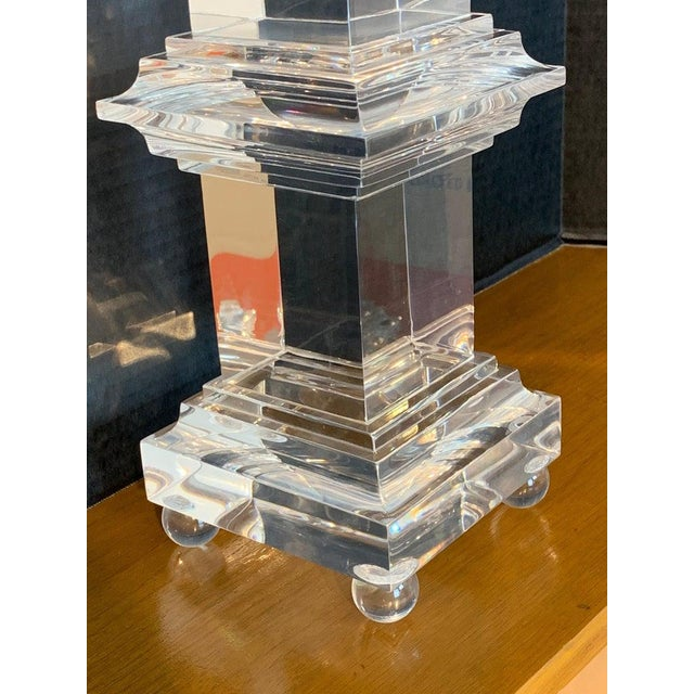 Late 20th Century Monumental Pair of Footed Lucite Obelisks For Sale - Image 5 of 13