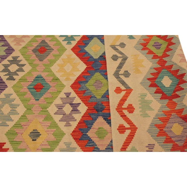 Shabby Chic Sylvie Ivory/Rust Hand-Woven Kilim Wool Rug -6'7 X 9'8 For Sale In New York - Image 6 of 8