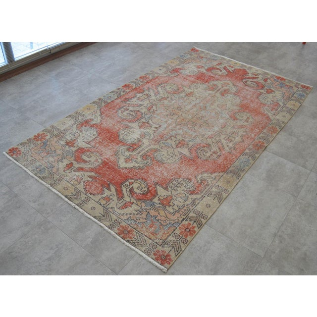 "1950s Rug 4x8 Turkish Rug With Great Pops of Red, Vintage Hand Knotted Distressed Low Pile Runner,Romantic Shabby Chic Entry Oushak Rug 4'3""x7'5"" For Sale - Image 5 of 7"