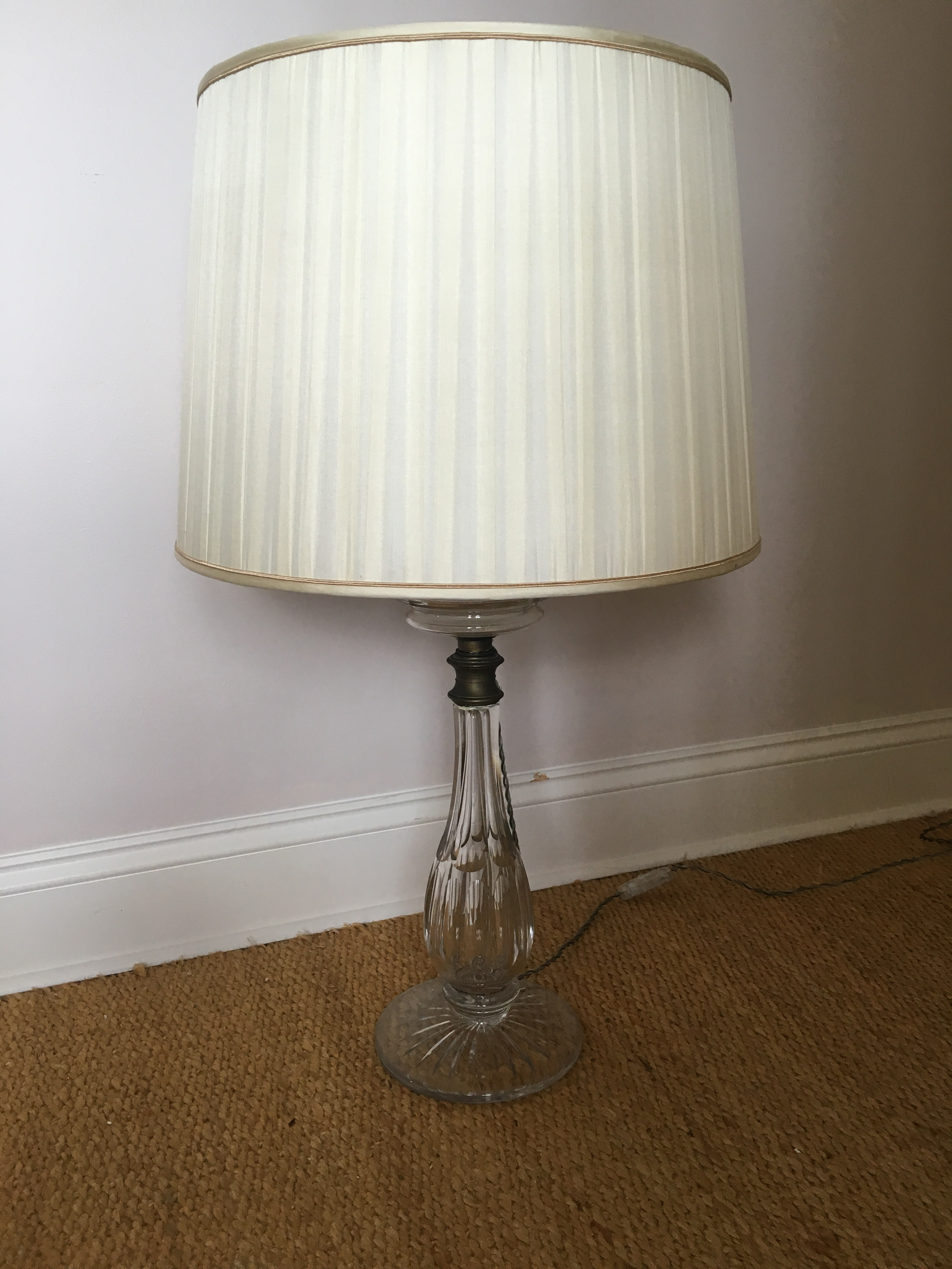 Vintage leviton glass table lamp image 4 of 7