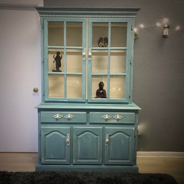 "Blue French Provincial ""Annabel"" China Cabinet - Image 4 of 11"