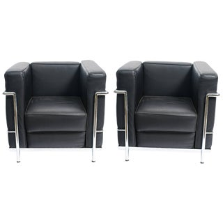 Le Corbusier LC-2 Style Leather Lounge Chairs - a Pair For Sale