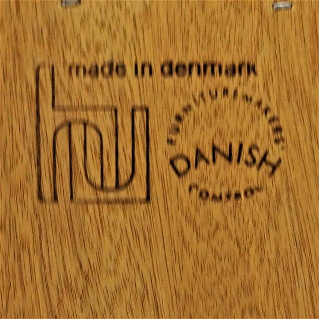 Original Danish Mid Century Hundevad Rosewood Bookcase - Image 9 of 9