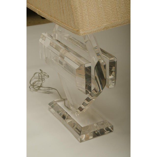 1970s Fabulous Vintage Lucite Table Lamp, by Michael Oguns For Sale - Image 5 of 7
