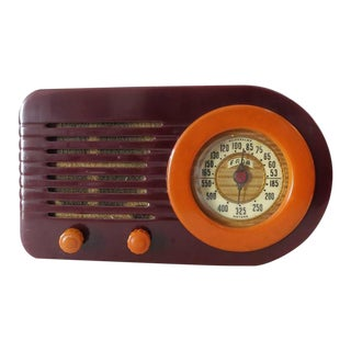 "Fada Model 1000 ""Bullet"" Coffee and Caramel Catalin Tube Radio"
