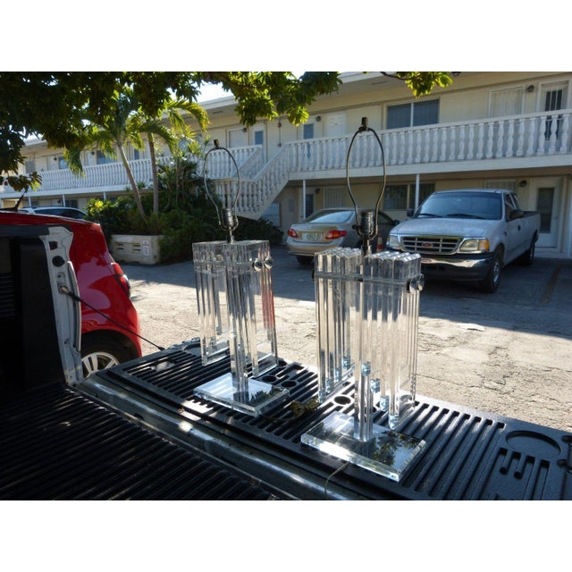 1970s Vintage Stacked Angel Wing Lucite Lamps - A Pair For Sale In Miami - Image 6 of 10