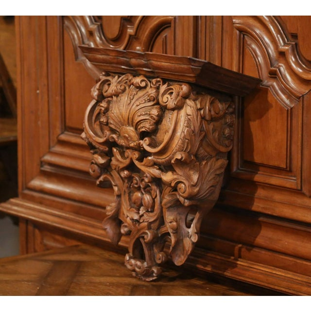 Wood Mid-19th Century French Louis XIV Carved Walnut Wall Bracket With Shell Motif For Sale - Image 7 of 13