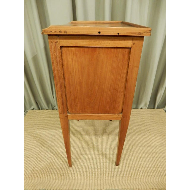 Early 19th C. French Walnut Side Table For Sale In New Orleans - Image 6 of 9
