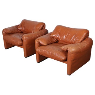 Pair of Maralunga Lounge Chairs by Vico Magistretti