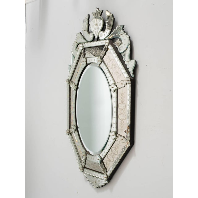 1930s 1930s Octagonal Venetian Mirror With Crown For Sale - Image 5 of 10