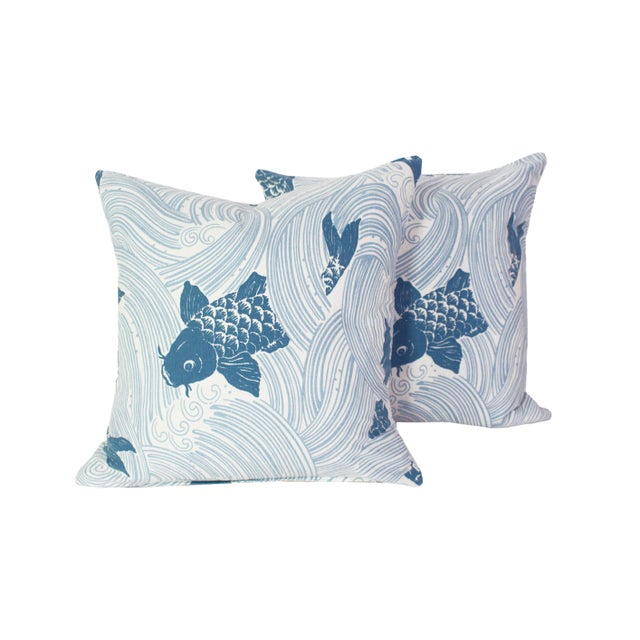 """Feather Jeffrey Allen Marks Custom Made Designer Tropical Koi Pillow Pair - 18""""x18"""" For Sale - Image 7 of 7"""