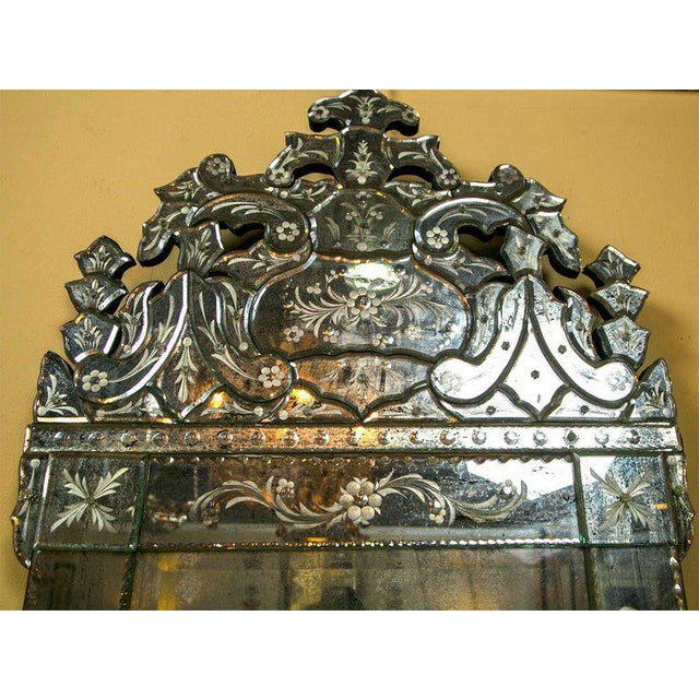 German Distressed Venetian Style Mirror Beautifully Cut Crest W/ Etching Detail For Sale - Image 4 of 7