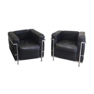 20th Century Corbusier Style Black Leather Club Chairs - a Pair For Sale