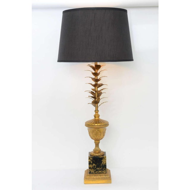 Hollywood Regency Pair of 1950s Modern Neoclassical Style Gilt and Faux Marble Table Lamps For Sale - Image 3 of 8