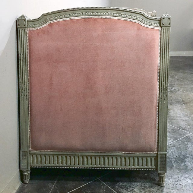 19th Century French Louis XVI Painted Day Bed For Sale - Image 11 of 12