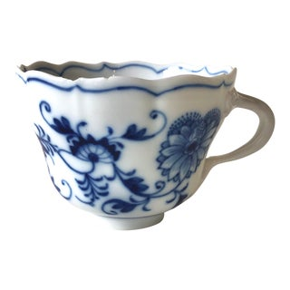 Vintage Blue Onion Coffee Cup With Arrow Mark For Sale