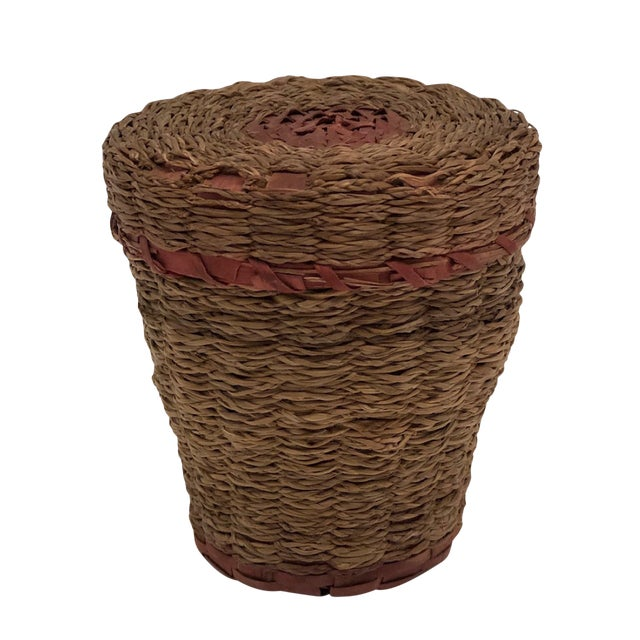 20th Century Primitive Wabanaki Sweetgrass and Dyed Ash Splint Lidded Basket For Sale