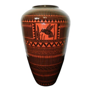 Navajo Etched Hummingbird & Flower Black Gloss Glazed Red Clay Pottery Vase For Sale