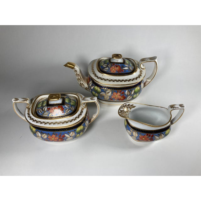 "Early 19th Century Early 19th Century English Georgian New Hall ""1126"" Porcelain Tea Service for 2 - Set of 5 Pieces For Sale - Image 5 of 7"
