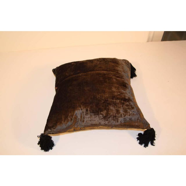 1980s Baroque Silk Velvet Applique Throw Decorative Pillow with Tassels For Sale - Image 5 of 11