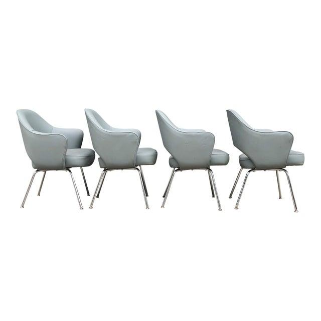 Eero Saarinen 1960s Mid-Century Modern Eero Saarinen for Knoll Executive Chairs (11 Avail) For Sale - Image 4 of 6