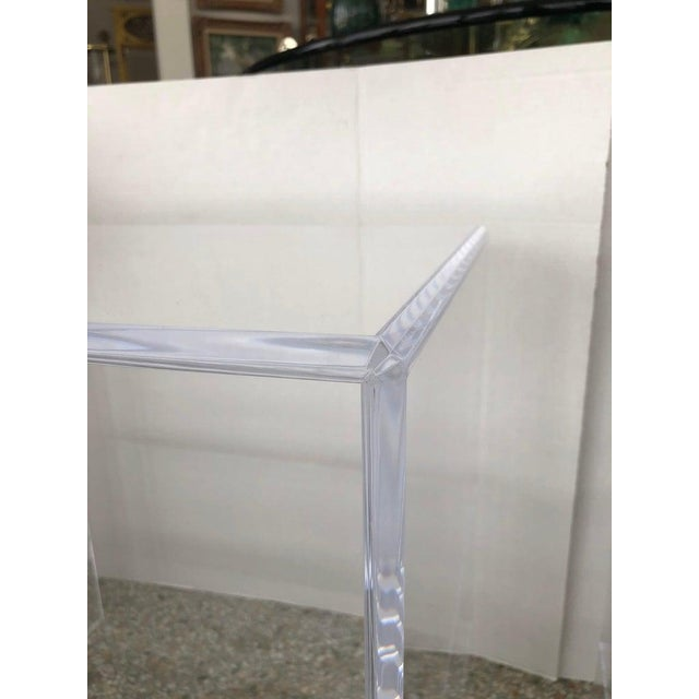Contemporary Floor Sample Lucite Nightstands Beveled Top Edges the Pair - Night Stands For Sale - Image 3 of 10