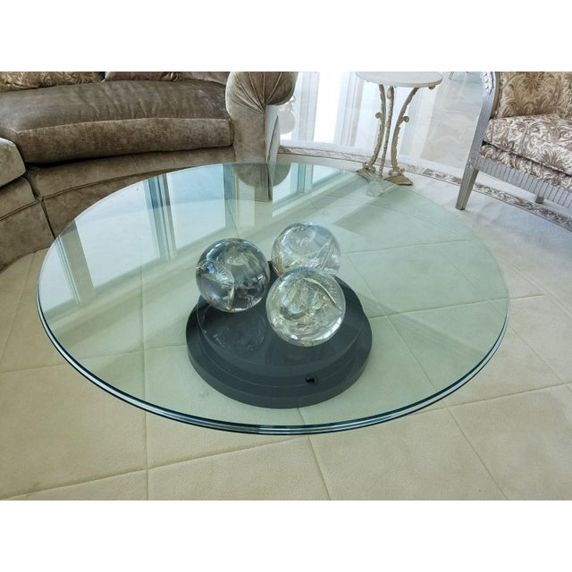 Vintage Cracked Ice Lucite 3 Ball Cocktail Table on Lacquer Base For Sale In Miami - Image 6 of 8