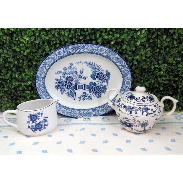 I love mixing the patterns of classic blue and white china. It brings out the beauty of each piece! Offered is this...