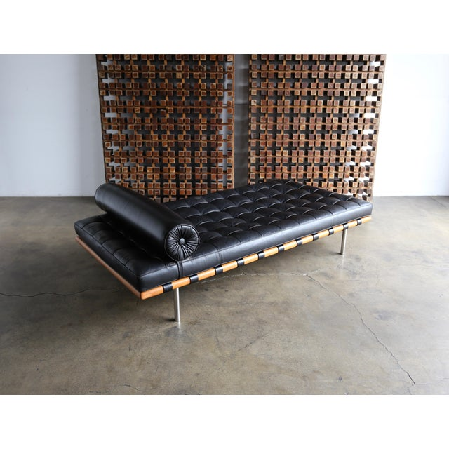 Mies Van Der Rohe Leather & Walnut Daybed for Knoll, 1983 For Sale - Image 9 of 11