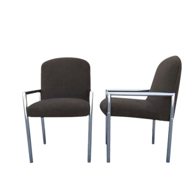 These comfortable upholstered chrome armchairs from the 70s are supported by a tubular frame. These versatile chairs may...