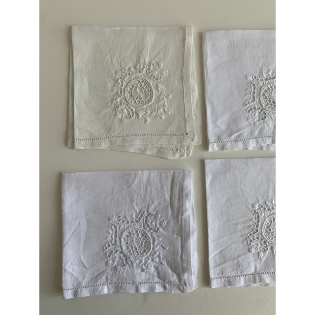 Italian Roman Coin Embroidered Linen Cocktail Napkins S/4 For Sale - Image 3 of 6