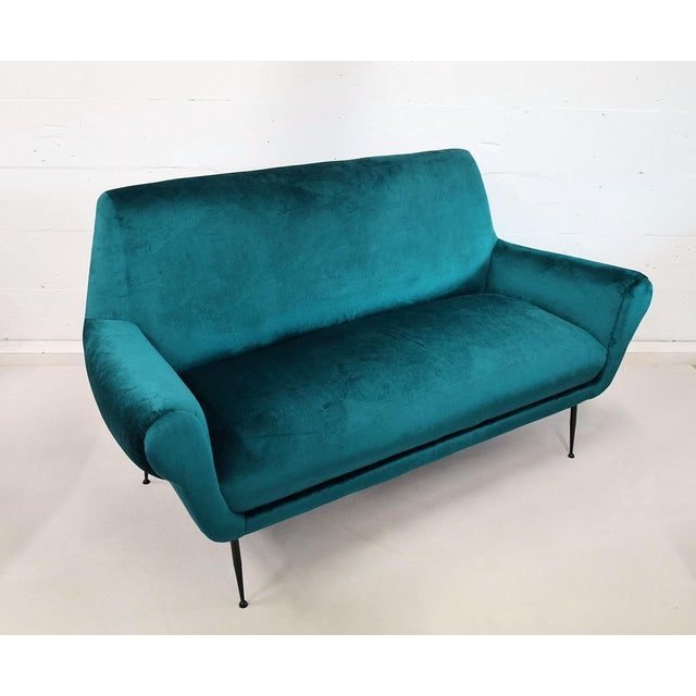 Fabric Minotti Mid-Century Modern Turquoise Sofa by Gigi Radice For Sale - Image 7 of 7