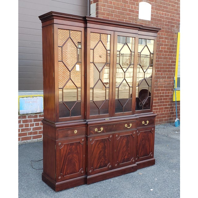 Fine Mahogany Kittinger Furniture Richmond Hill Collection