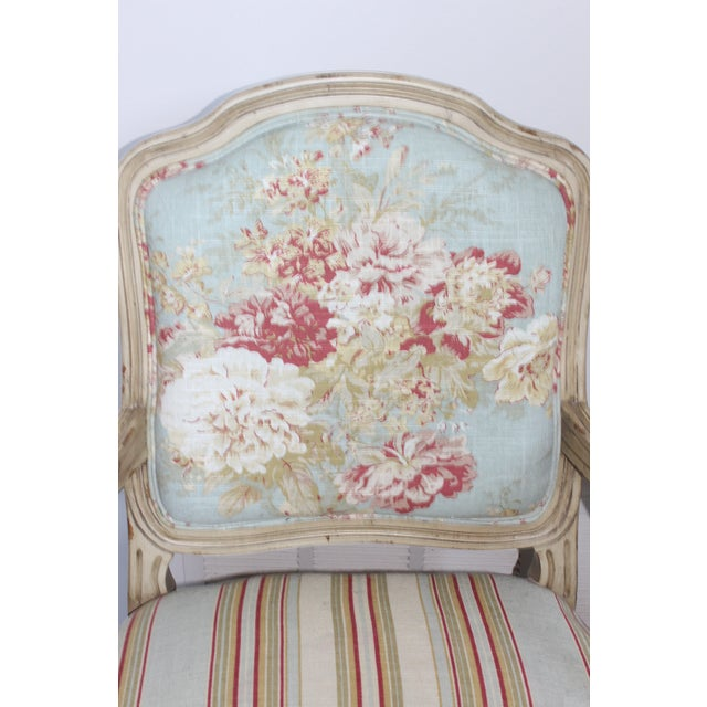 Late 20th Century Vintage French Louis XV Floral Bergere Armchair For Sale - Image 5 of 7