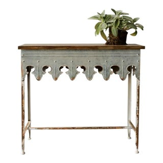 St. Tropez Scalloped Table Preview