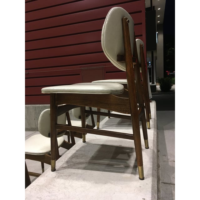 Wood Mid-Century Modern Thonet Style Walnut and Vinyl Dining Chairs by Shelby Williams - Set of 5 For Sale - Image 7 of 13