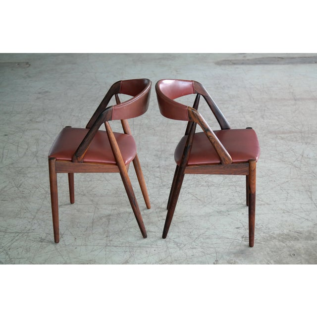 Kai Kristiansen Rosewood and Red Leather Model 31 Dining Chairs - Set of 5 For Sale - Image 11 of 13