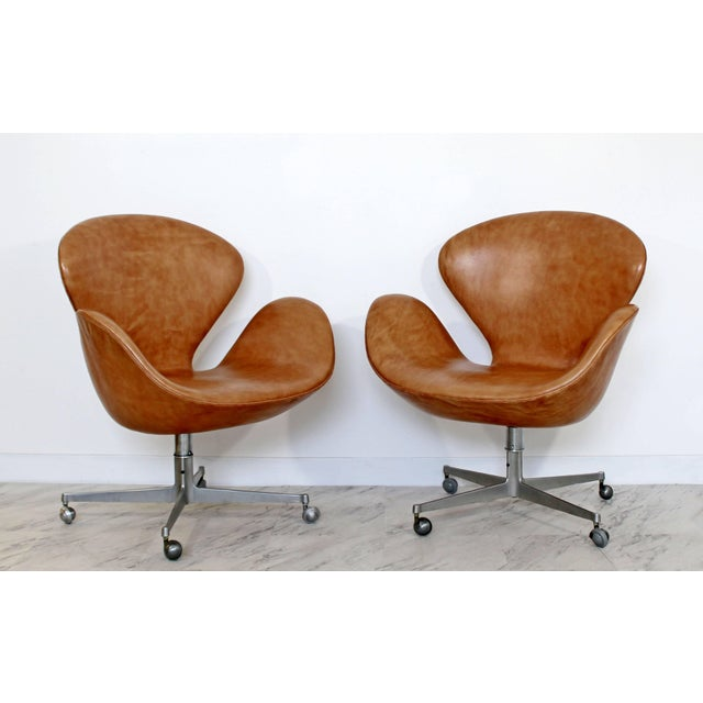 Animal Skin Mid-Century Modern Arne Jacobsen Frtiz Hansen Swivel Leather Swan Chairs - a Pair For Sale - Image 7 of 7