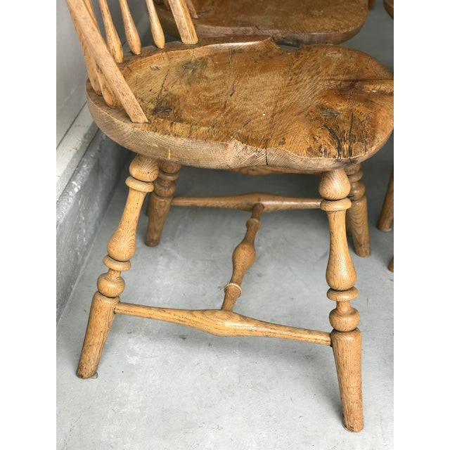 Oak 19th Centur Early American Antique Oak Windsor Chairs - Set of 4 For Sale - Image 7 of 11